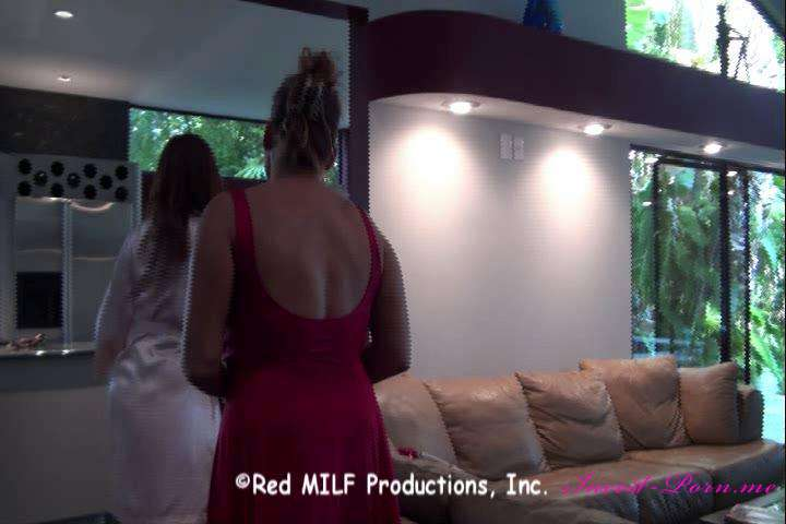 Rachel Steele in Aunt Rachel Cums To Visit-MILF 997