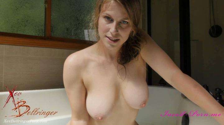family porn videos Xev Bellringer in Bath Time With Mommy