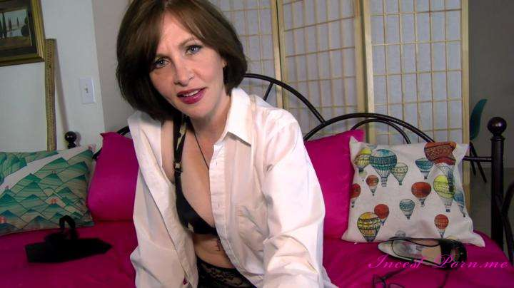 Mrs Mischief-Pull Those Panties Aside For Mommy-clip4sale