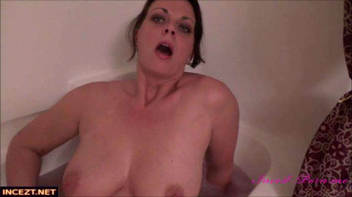 Diane Andrews-Ruining Mommy's Bath-Manyvids