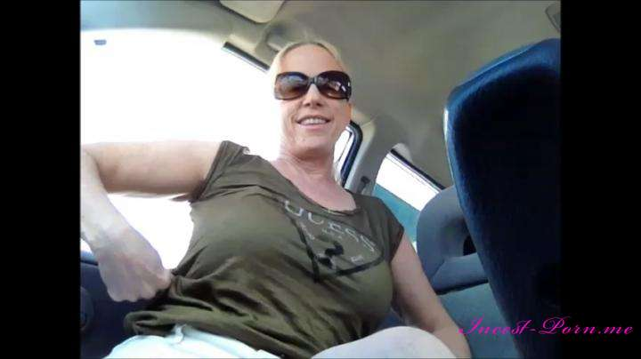 Gartersex-Car fun tits pussy flash-manyvids
