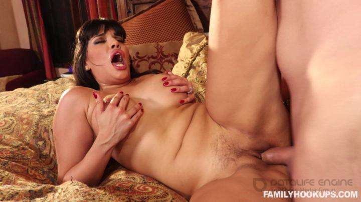 Family Hookups-Mercedes Carrerra-Sexing Up My Sister In Law